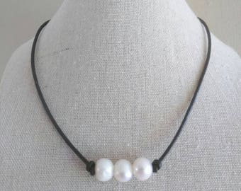 Three Pearl choker - Pearl Choker - Freshwater pearl necklace - Leather choker - Multi Pearl Choker - Leather Necklace - gift for her