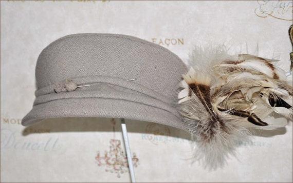 40's Half Hat, Ivory Feather Hat, Vintage Wool Cap
