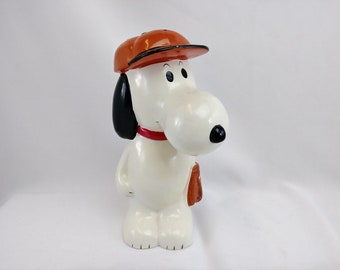 Vintage Snoopy Bank - United Feature Syndicate Inc - 1971 -- Free Shipping