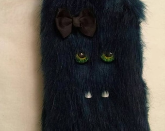 Monster purse (faux fur)