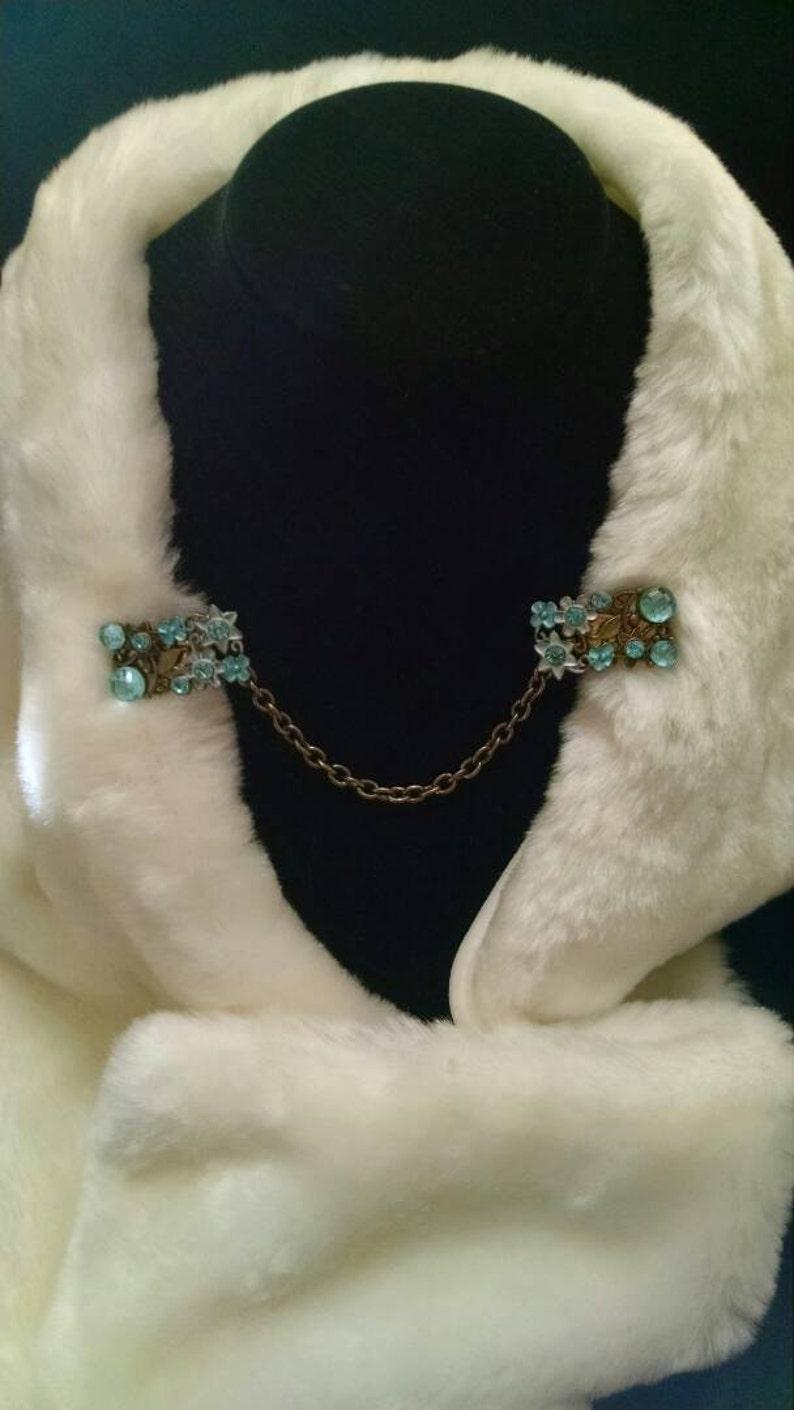 Cloak clasps color- bronzeblues
