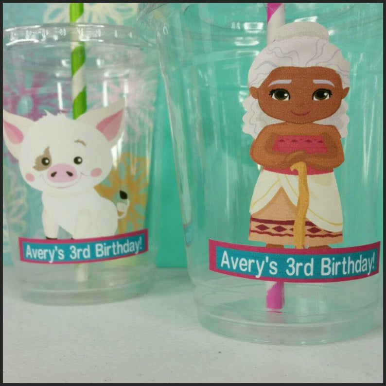 12 Personalized Polynesian Princess Themed  Party Cups with Lids and Straws