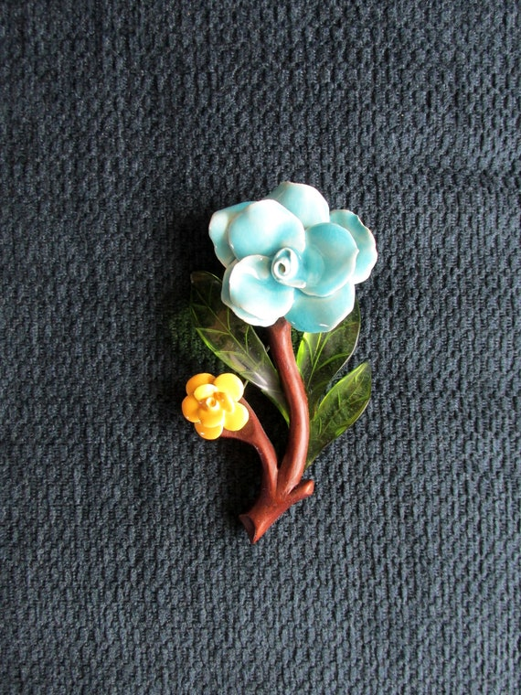 Elzac Flower Brooch 1940s Ceramic Wood Lucite Stat
