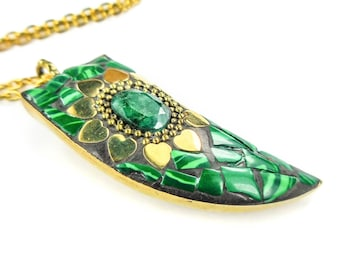 Horn Necklace - Malachite Inlay - Faceted Green Crystal Pendant - Gold Hearts Gemstone Charm  (P29C) Healing Crystals and Stones Jewelry