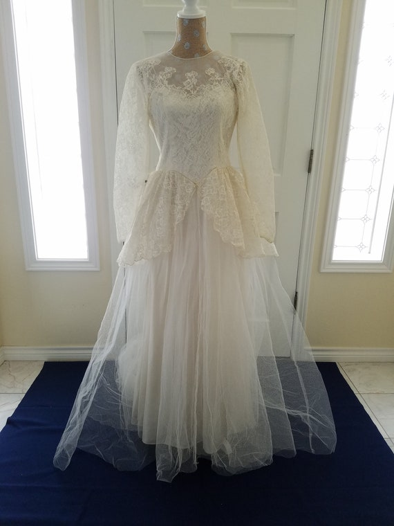 Vintage 1940s Wedding Dress With Cathedral Train Bridal Gown Etsy
