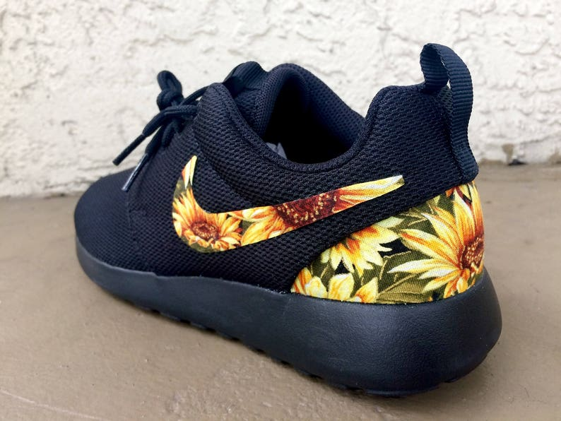 c73492594b4b3 Custom Sunflower Nike Roshe
