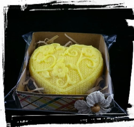 100% Australian Hand Made Soy Wax Space Fresheners Love Knitted