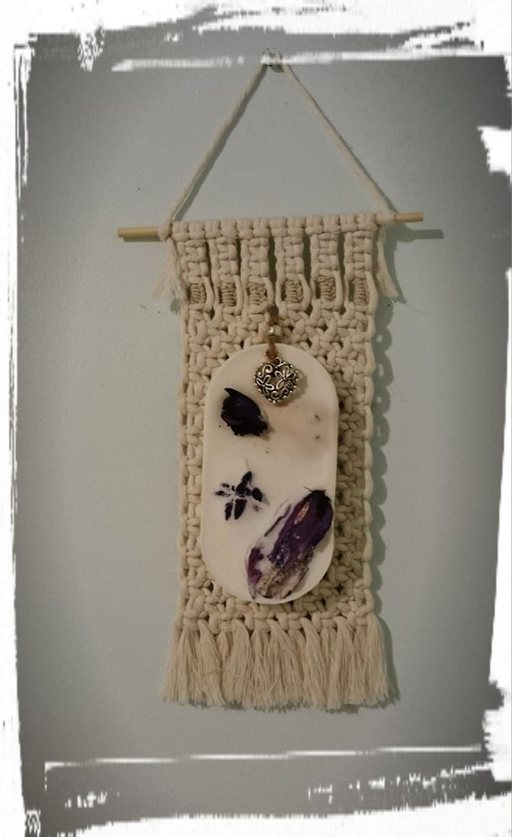 100% Australian Hand Made Soy Wax Space Freshener and Hand made Macrame Holder.