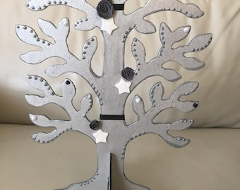 Beautiful tree decorated jewelry holder