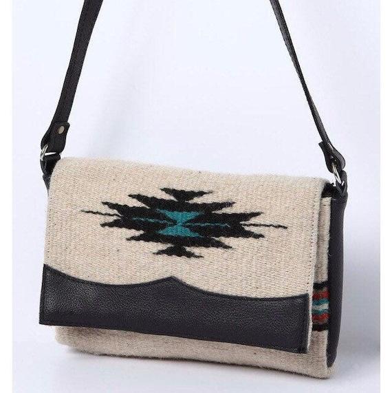 "Annie ""O"" Wool Hip Purse // Southwest Designs"
