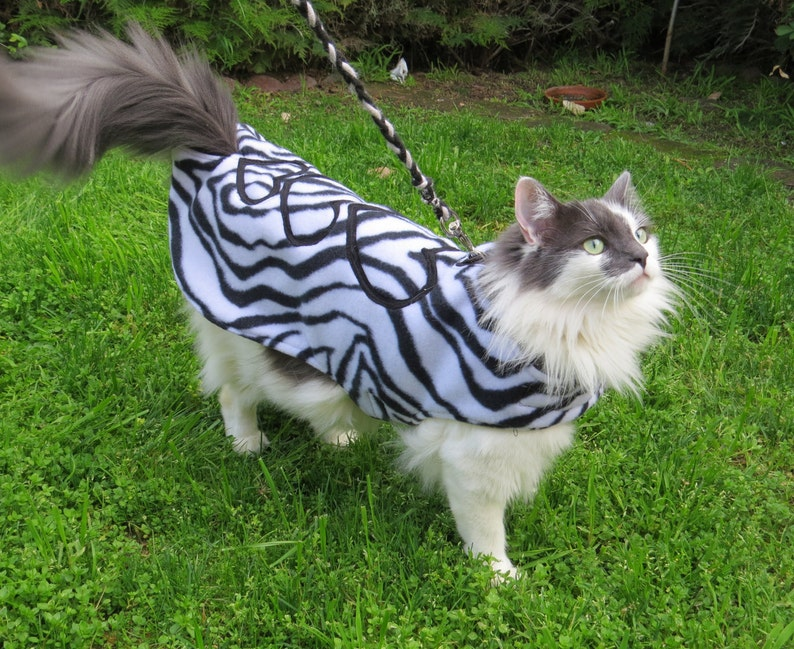 WILD HEARTS Zebra print Reversable double fleece Cat Coat