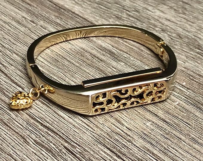 Gold Metal Band for Fitbit Flex 2 Tracker Handmade Fitbit Flex 2 Band Gold Heart Charm Fitbit Flex 2 Bracelet Elegant Fitbit Flex 2 Jewelry