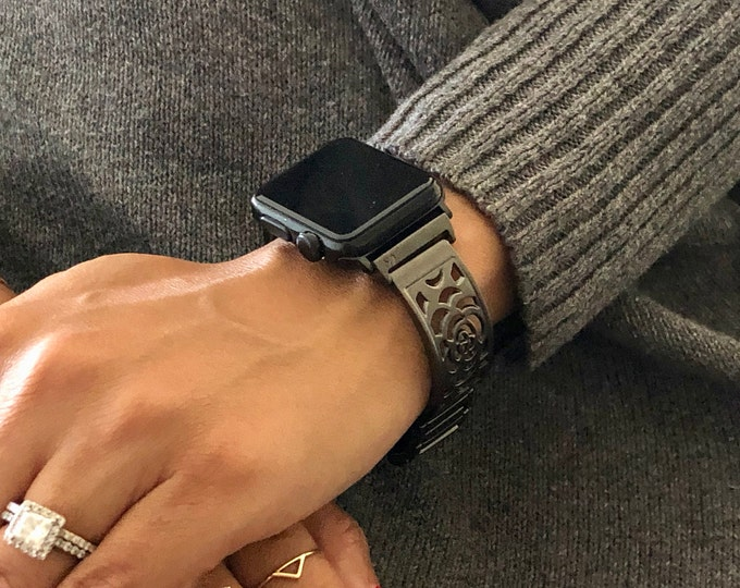 Black Apple Watch Band 38mm 40mm 42mm 44mm Space Gray iWatch Bracelet Adjustable iWatch Band Links Bracelet North Star Charm Jewelry