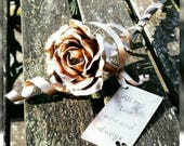 Bronze everlasting rose, ...
