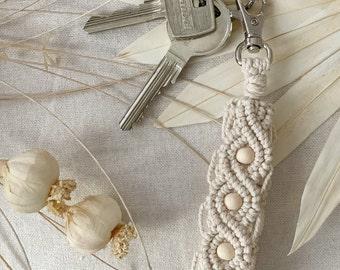 NOA | Keychain Macrame, Wristlet Makramee Schlüsselanhänger, Bag Tag, Taschenanhänger, Pendant