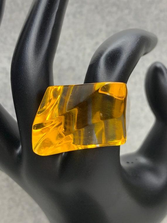Vintage Yellow Lucite Ring, Mod Lucite Plastic Sta