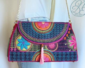 Flower Power Purse - In The Hoop Digital Embroidery Design Pack + Tutorial - DIY - Instant download