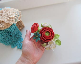 Ranunculus knitted two colors patchwork Brooch