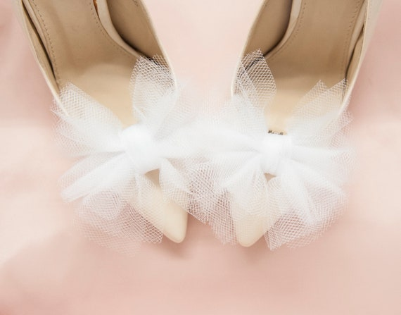 white bows shoe clips wedding tulle white bows with crystals Off white tulle bows with silver brocade shoe clips- Mififi clips for shoes