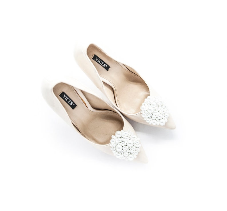 9d61ddcfe8227 Handmade white pearls ornament for shoes- Mififi Shoe Clips, Bridal shoes,  Wedding accessories, Wedding shoe clips, White clips for shoes