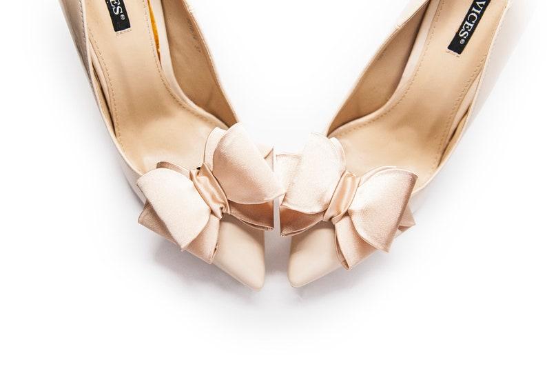 babd7a02f4338 Beige, powder beige 3D bows shoe clips- Mififi shoe clips Wedding shoes  Clips for shoes Bridal shoe clips Shoe Clip Beige wedding shoes