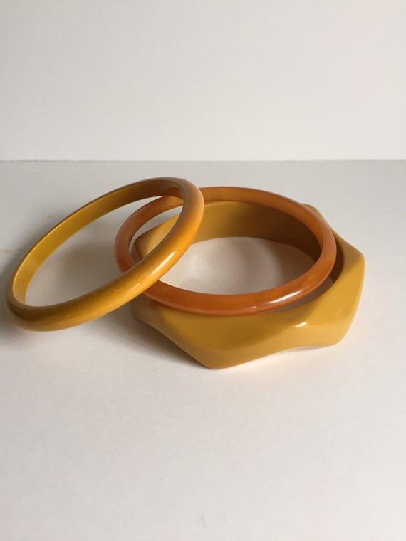 Bakelite Bangles/Vintage Jewelry/Vintage Bakelite/