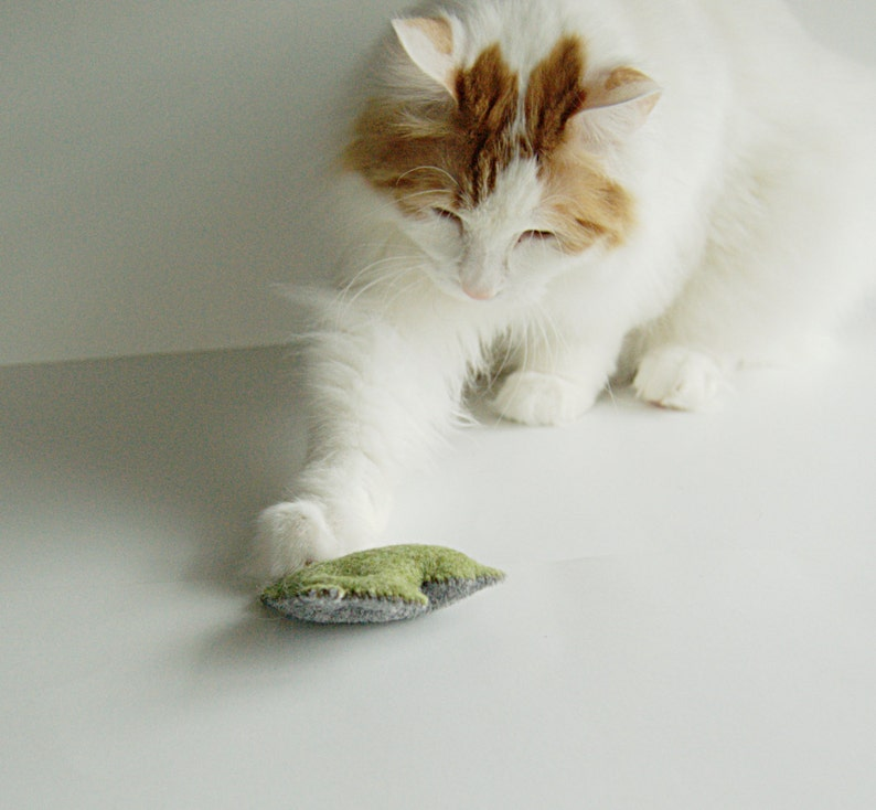 3 Catnip Cat Toys in grey and blue/green wool felt image 0