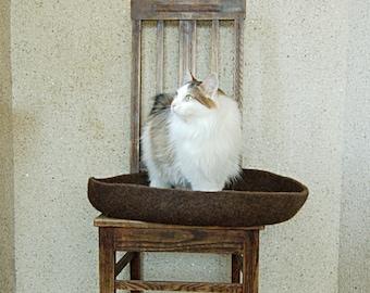 Modern pet Bed felted round brown wool ecofriendly
