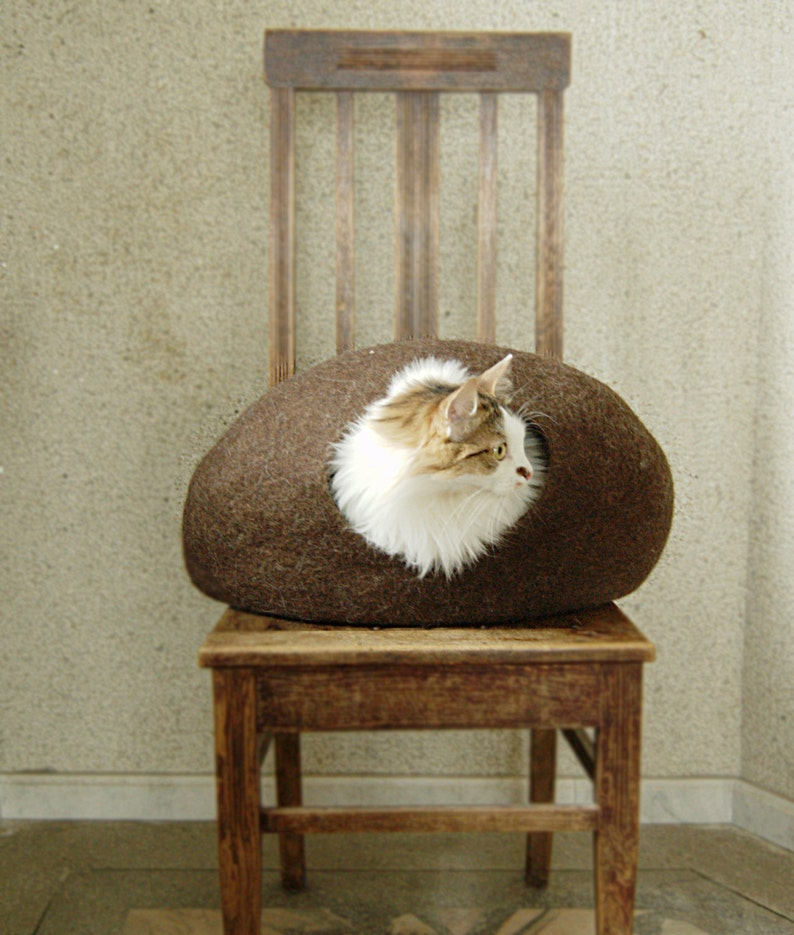 Felted cat cave brown from natural eco-friendly wool image 0
