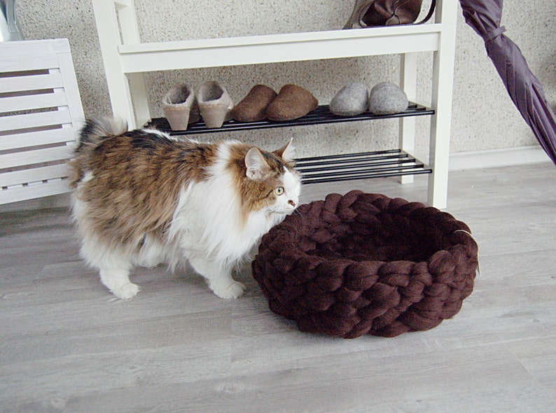 Cat Bed  pet bed  cat furniture  pet basket  merino wool  image 0