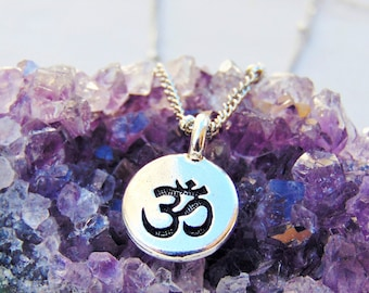 Dainty Silver Om Necklace, Small Aum Necklace, Silver Om Necklace,Ohm Necklace, Om pendant, Ohm charm,Y oga Jewelry, Yoga Necklace