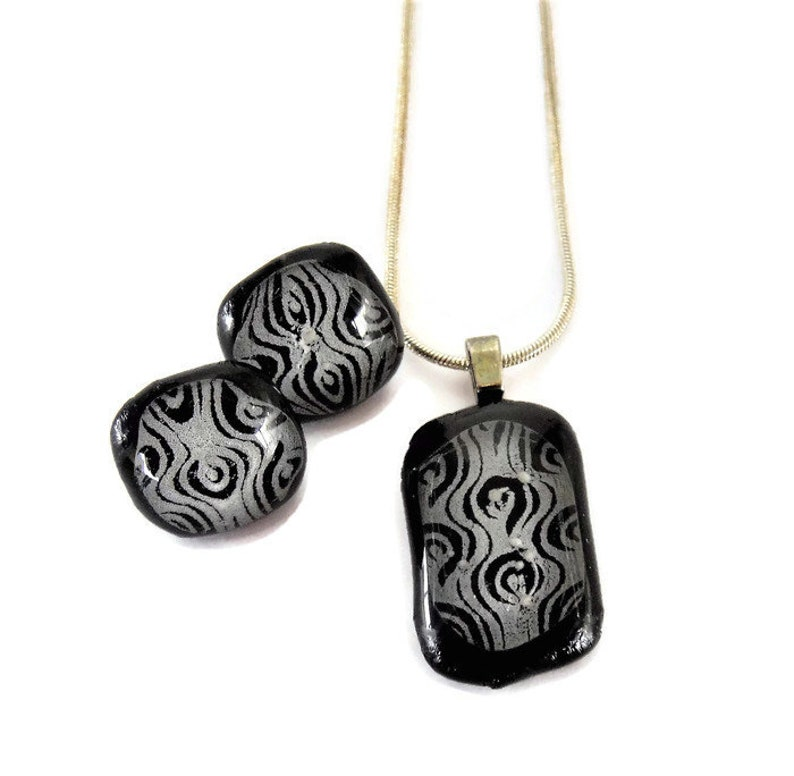 Dichroic Glass Elegant Silver Grey Pattern on Black with Clear Topper Pendant and Stud Earring Set