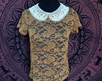 Vintage Style Lace Top with Collar SIZE MEDIUM