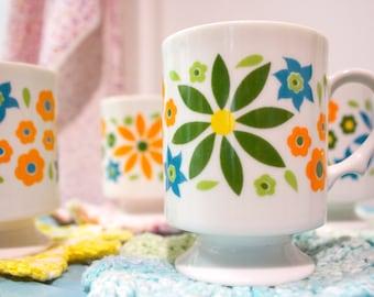 Retro Floral Coffee Mug Set