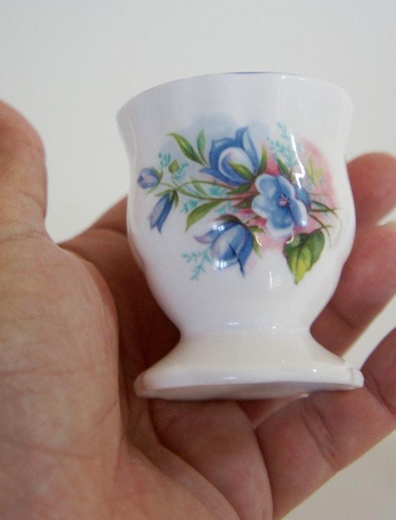 Vintage, Janpau, paire de blanc et bleu Floral, Jacinthe des bois, décoratif, Fine Bone China, tasses, collector, cadeau, mère, épouse, fille d'oeufs