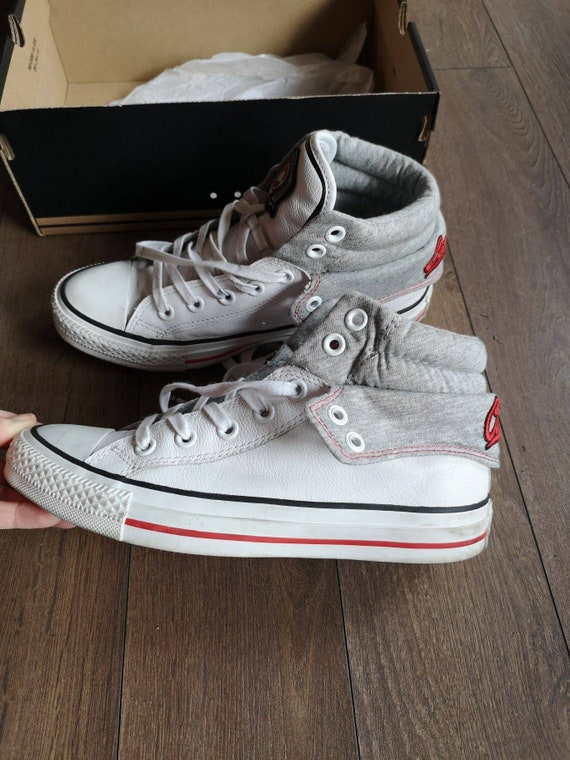 VINTAGE Beautiful Leather Converse shoes, silver a