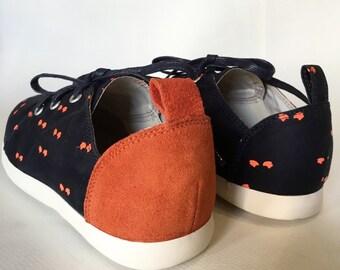 E-Taen Print Series collection: #TRIANGLEHAWKNo3 in #semiloafersneakers