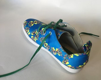 E-Taen Print Series collection: #CIRCULARBUTTERFLYANDFLOWERS in #semiloafersneakers