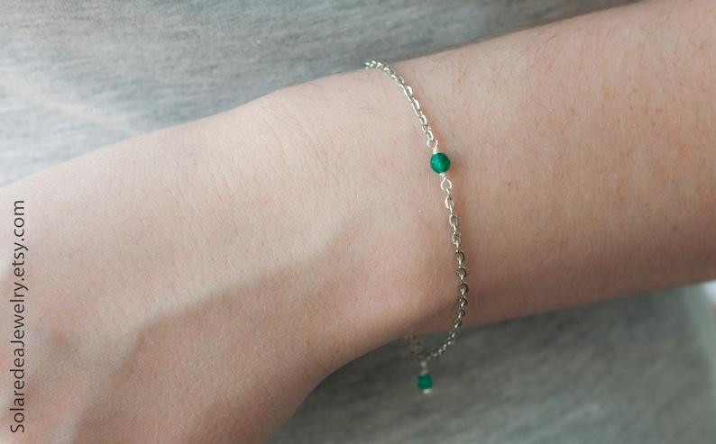 Thin chain bracelet Simple everyday bracelet Green stone jewelry Green agate bracelet