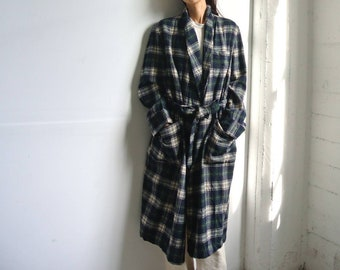 Long Red Plaid Cotton Flannel Robe Vintage 90/'s Traditional Wrap Classic Men/'s or Unisex Women/'s Menswear Look by Vermont Country Store