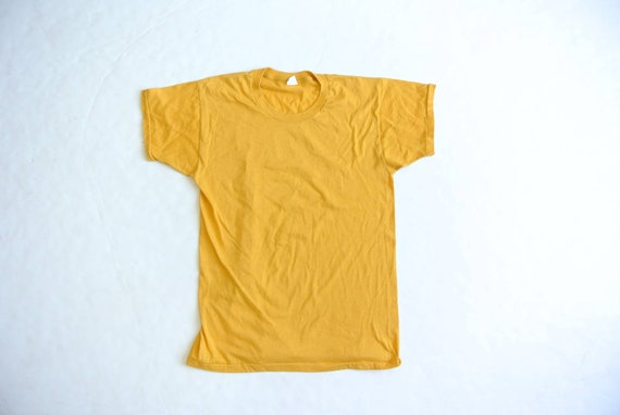 Vintage 1970s-80s mustard yellow solid t-shirt med