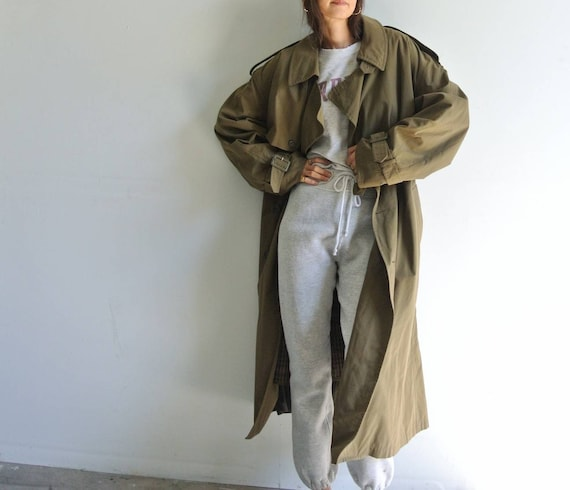 Vintage 1980sLondon Fog olive green trench coat