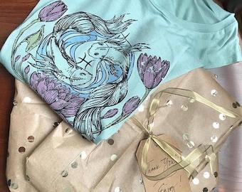 Vintage Pisces T-Shirt. Illustrated Zodiac T-Shirt. Vintage Inspired Pisces Zodiac T-Shirt. Yoga T-shirt. Yoga Tank. Pisces Fishes Tank.