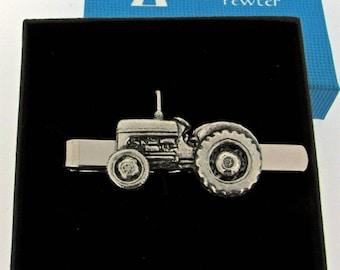 Tractor farmer tie clip NEW