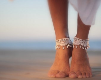51ede6fd8934be Droplets wrapped in guipure beach wedding barefoot sandals
