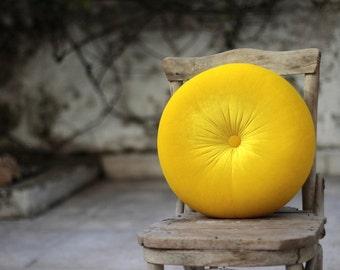 """Mellow Yellow velvet Round pillow 16"""" hand made pillow,circular pillow,round throw pillow,velvet pillow"""