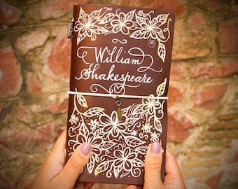 Shakespeare Journal - William Shakespeare - Shakespeare Quotes - Shakespeare Notebook - Classic Travelers Notebook Hand Painted Leather