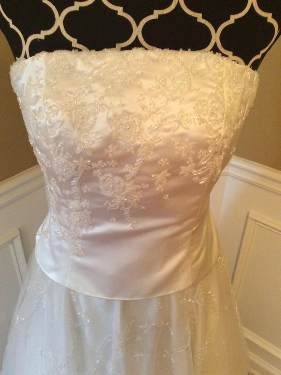 White wedding dress / strapless / beaded / size 8/