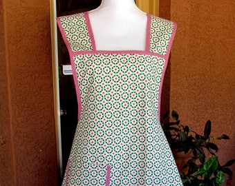 Plus Size Apron, Vintage Retro, Reproduction 1940 Print, Cotton Fabric, Large to XX-Large, Tall Women, Stout Women, Red Green ,Christmas
