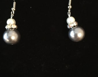 Gray and white glass bead drop earrings